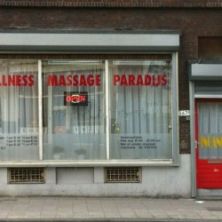 populair massagesalon dans