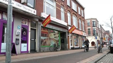 groot massage seks in Leiden
